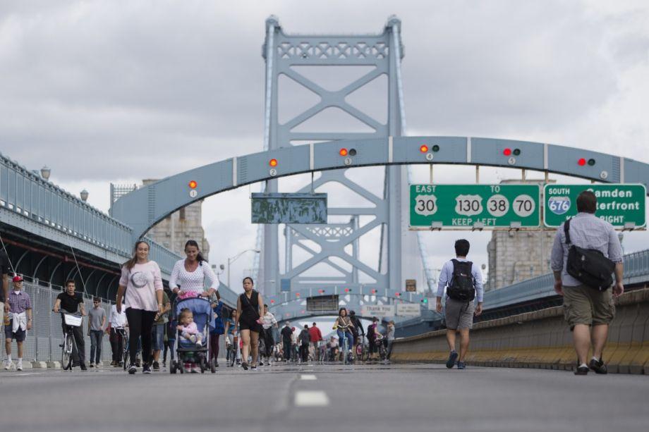 Philly_Pope_bridge_920_613_80